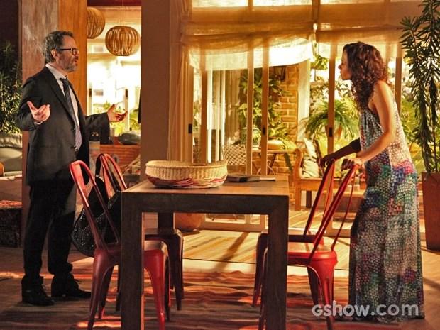 Fernando se recusa a dar dinheiro para Juliana (Foto: Carol Caminha/ TV Globo)