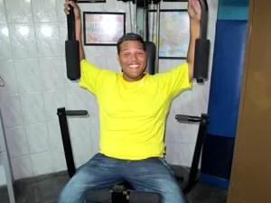 Jovem eliminou 40 quilos em três meses (Foto: Anna Gabriela Ribeiro/G1)