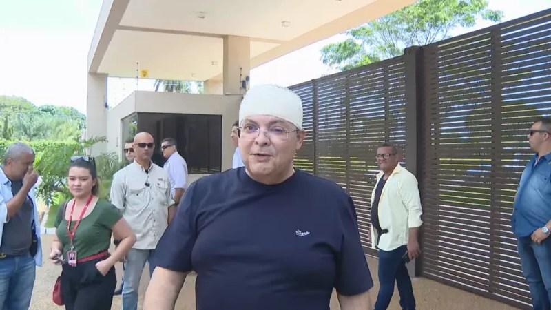 Governador Ibaneis rocha (MDB) após receber alta de hospital — Foto: TV Globo/Reprodução