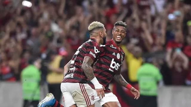 Gabigol e Bruno Henrique, do Flamengo, comemoram contra o Bahia