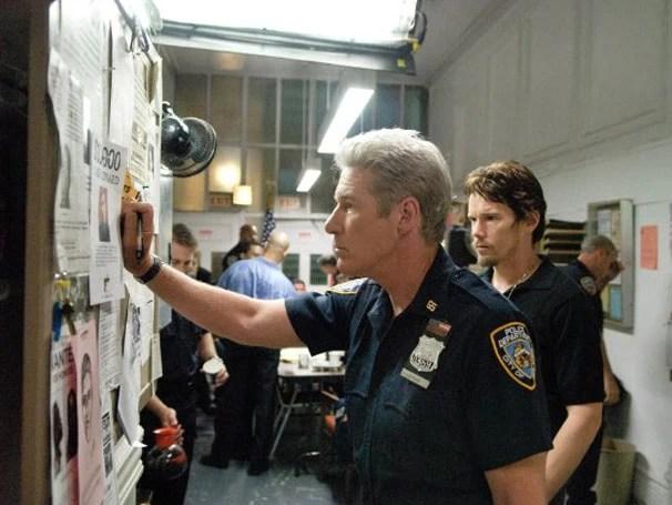 Richard Gere interpreta Dugan, um policial prestes a se aposentar (Foto: Divulgação)