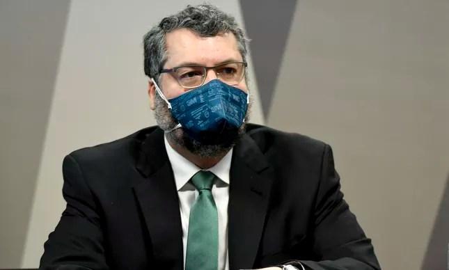 O ex-ministro Ernesto Araújo em depoimento à CPI da Covid