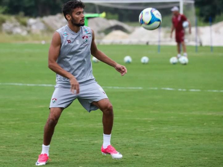 7eb982f664 O Palmeiras acertou a contratação de Gustavo Scarpa na manhã desta  segunda-feira. O meia de 24 anos não estava mais ligado ao Fluminense