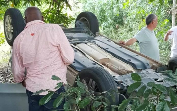 Idoso morreu após capotar carro na BR-418, em Nova Viçosa — Foto: Divulgação/PRF