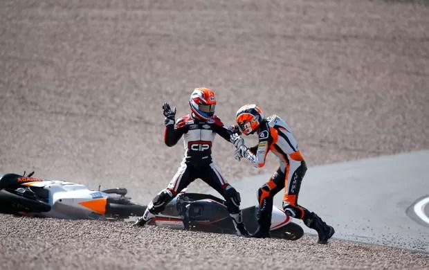 briga-moto-bryanschouten-scottderoue-reu - (MotoGP) Pilotos brigam após batida na Moto3