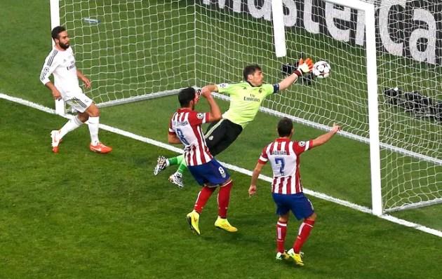 Casillas Real Madrid e Atlético de Madrid (Foto: Agência Reuters)