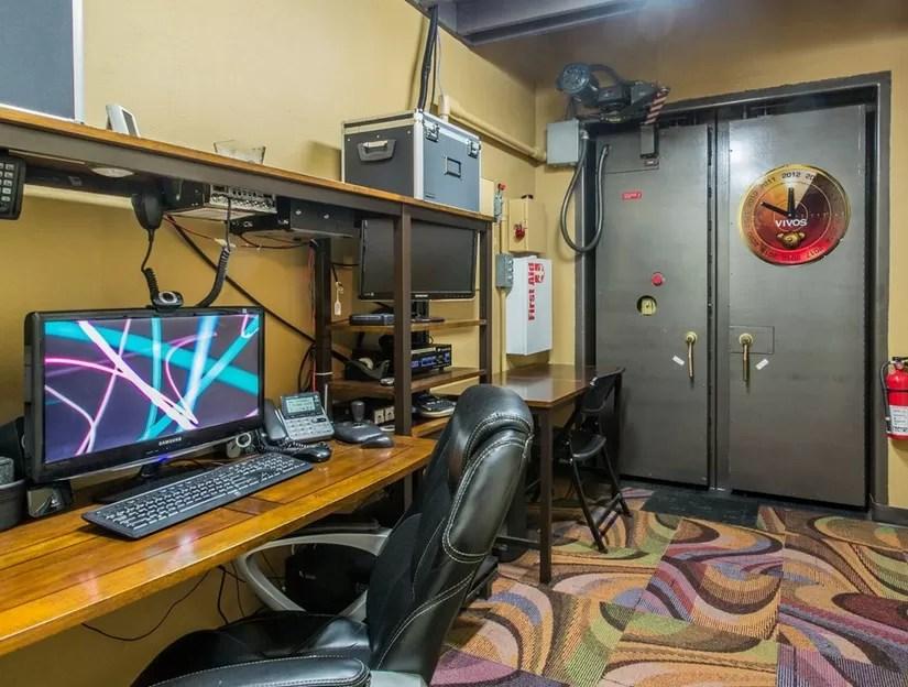 Sala de controle do bunker apocalíptico