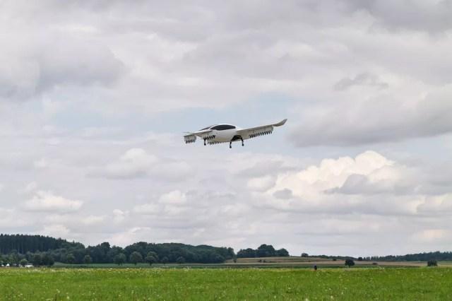 Lilium já realizou voo de teste com aeronave de cinco lugares — Foto: Divulgação/Lilium