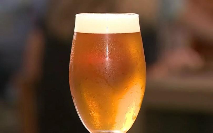 Fábricas e lojas de cervejas artesanais ampliam a variedade de produtos graças ao crescimento do setor no Brasil (Foto: Reprodução/EPTV)