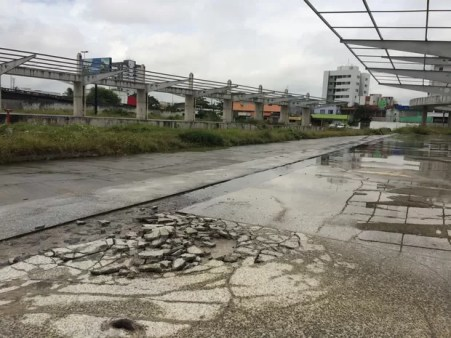 Terminal IV Perimetral Recife (Foto: Thays Estarque/G1)