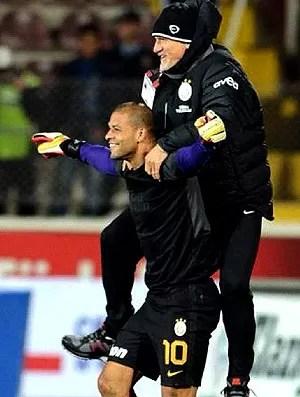 Felipe Melo e Taffarel comemoram na partida do Galatasaray (Foto: Reprodução / Instagram)