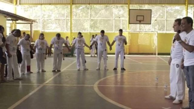 Crescimento da capoeira 'gospel' tem gerado incômodo entre capoeiristas tradicionalistas e o movimento negro  (Foto: BBC Brasil/Reprodução)