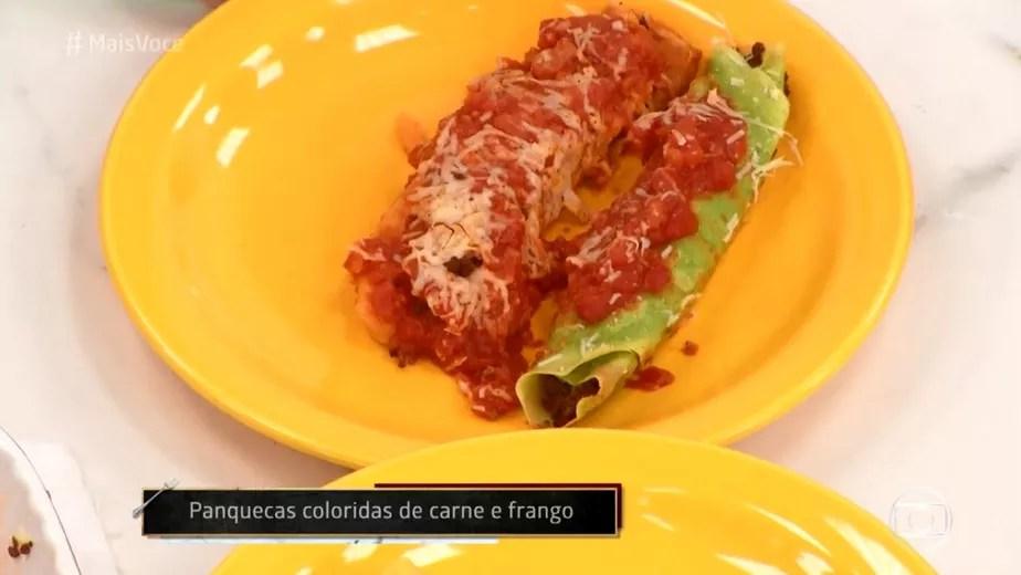 Panquecas Coloridas de Carne com Molho de Tomate
