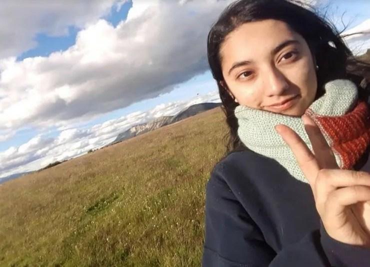 A chilena Karina Constanza Bobadilha Chat, de 22 anos, foi morta com mais de 20 facadas em fevereiro deste ano — Foto: Reprodução