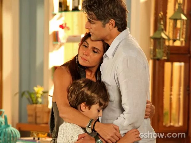Em despedida, família fica emocionada (Foto: Camila Camacho/ TV Globo)