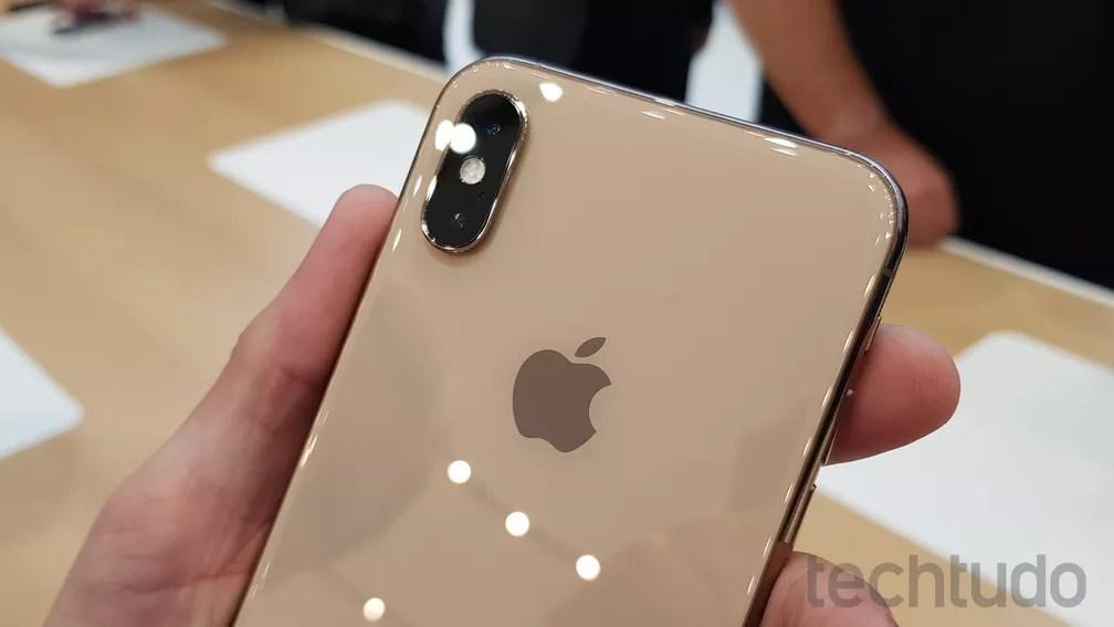 iPhone XS tem câmera dupla — Foto: Thássius Veloso/TechTudo
