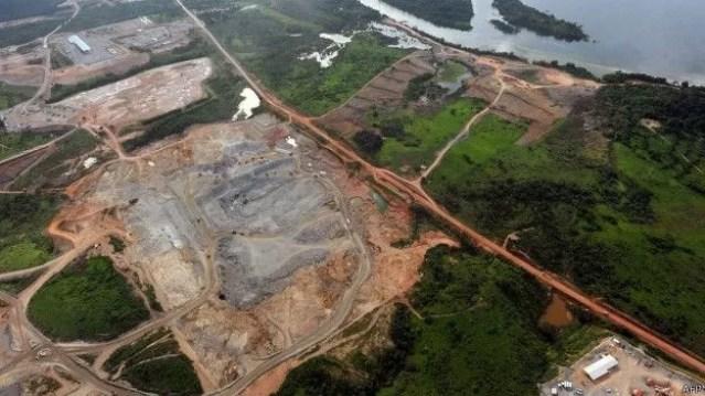 Funai emitiu parecer favorável à construção da usina, mas alertou para necessidade de medidas para reduzir impactos sociambientais de Belo Monte (Foto: AFP/BBC)