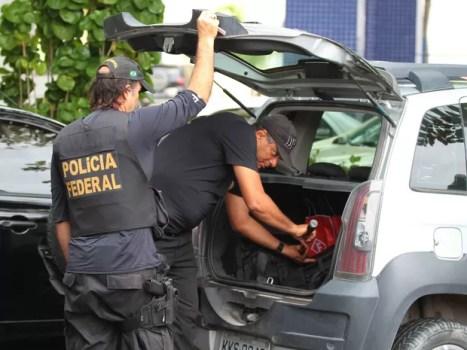PF cumpre mandados da Operação Minotauro no Recife (Foto: Marlon Costa/Pernambuco Press)