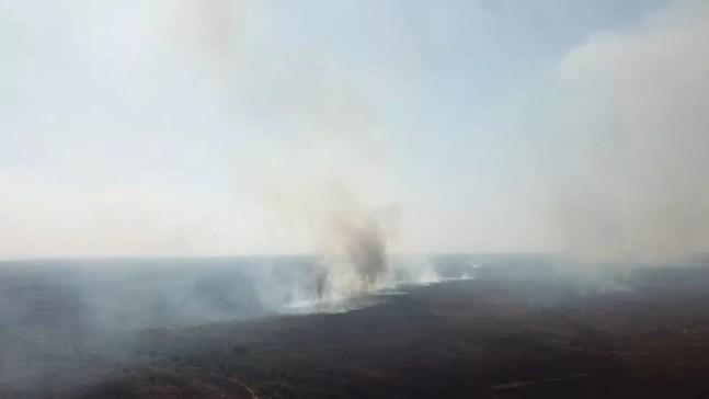Fogo na região da Nhecolândia, no Pantanal de MS — Foto: PMA/Divulgação