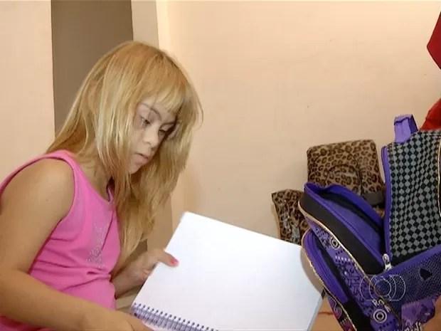 Estudante foi impedida de assistir às aulas  (Foto: Reprodução/TV Anhanguera)