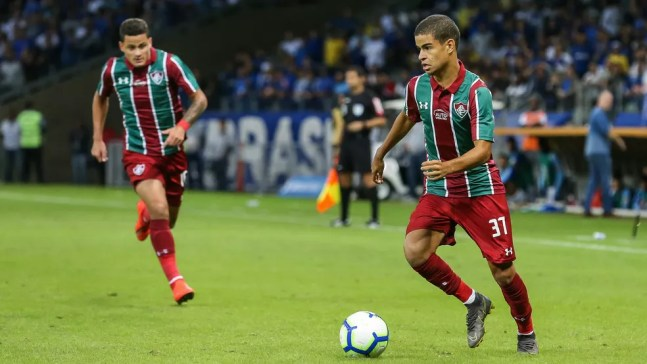 Miguel Silveira, em estreia no Fluminense — Foto: Lucas Merçon / Fluminense