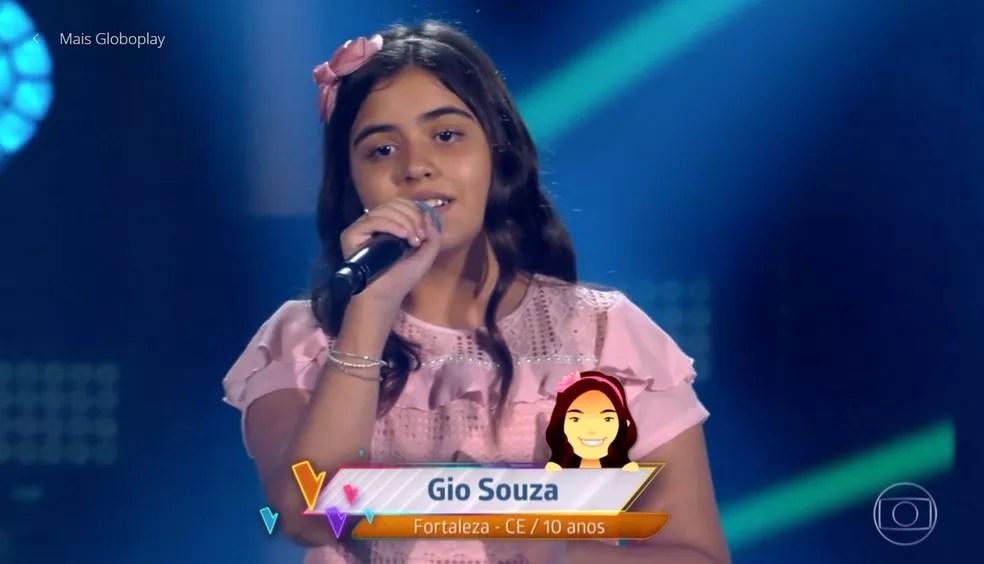 Gio Souza se apresentou nas audições do 'The Voice Kids' — Foto: TV GLOBO