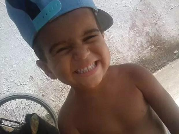 Rafael, de cinco anos, morreu após ter sido espancado pelo próprio pai em Peruíbe (Foto: G1)