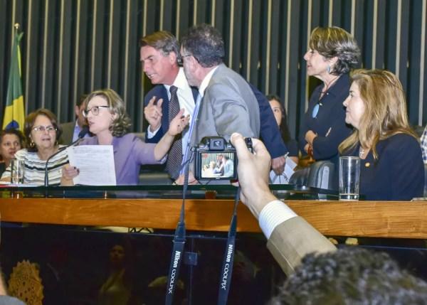 Quando ainda era deputado, Jair Bolsonaro bateu boca no plenário da Câmara com a deputada Maria do Rosário — Foto: Fernando Chaves/PSC Nacional