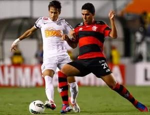Neymar e Frauches Santos x Flamengo (Foto: Ricardo Saibun / Ag. Estado)