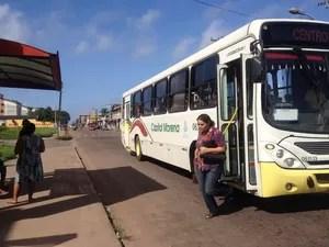 Ônibus voltaram a circular normalmente em Macapá (Foto: Fabiana Figueiredo/G1)