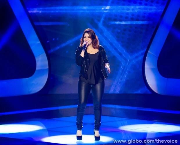 Rully Anne canta hit dos anos 80 (Foto: Isabella Pinheiro/TV Globo)