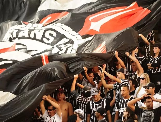 Torcida do Corinthians no Pacaembu (Foto: Marcos Ribolli / Globoesporte.com)
