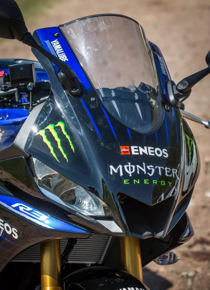 Suspensões invertidas da Yamaha YZF-R3 2020 — Foto: Divulgação