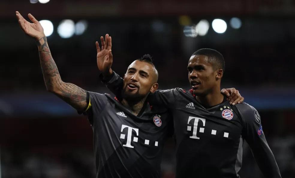 Douglas Costa estará em breve de volta ao Bayern (Foto: Reuters)