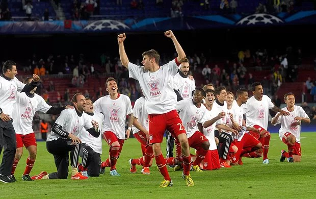 Bayern comemoração Barcelona final Liga (Foto: Reuters)