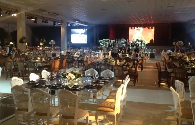 Sertanejo Marrone comemora seus 50 anos em festa luxuosa, em Goiânia Goiás (Foto: Sílvio Túlio/G1)