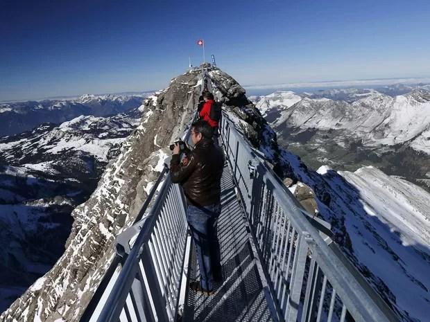 Ponte pode receber até 300 turistas ao mesmo tempo (Foto: Denis Balibouse/Reuters)