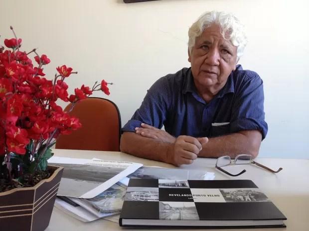 Fotógrafo e pesquisador de fotos antigas de Porto Velho, Luiz Brito (Foto: Gaia Quiquiô)