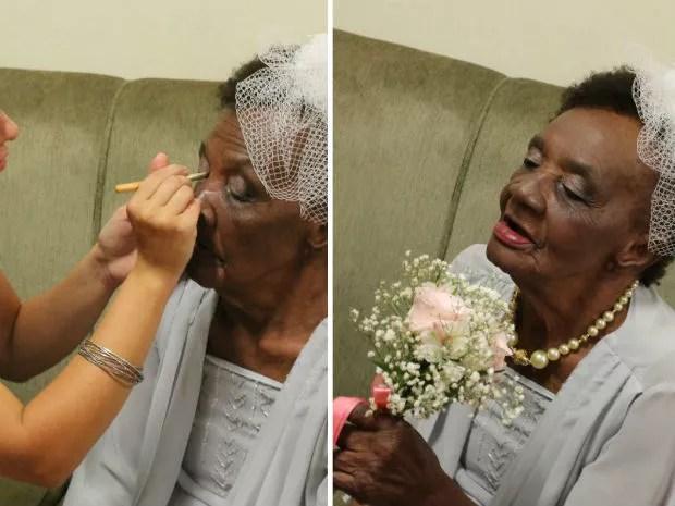 Dona Walda é maquiada para a cerimônia de noivado em asilo de Pirassununga (Foto: Ana Marin/ G1)