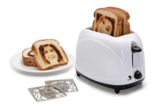 Empresa criou torradeira que deixa 'selfie' nas fatias de pão (Foto: Reprodução/Hammacher Schlemmer )