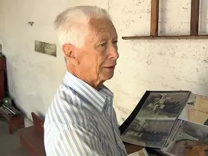 Aposentado de Pouso Alegre é apaixonado por trens (Foto: Reprodução EPTV)
