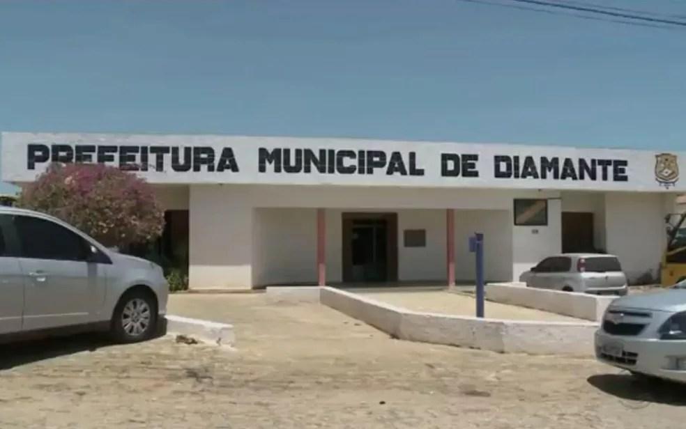 Gestora deve ser afastada cautelarmente da Prefeitura Municipal de Diamante, segundo a decisão da Justiça — Foto: TV Paraíba/Reprodução