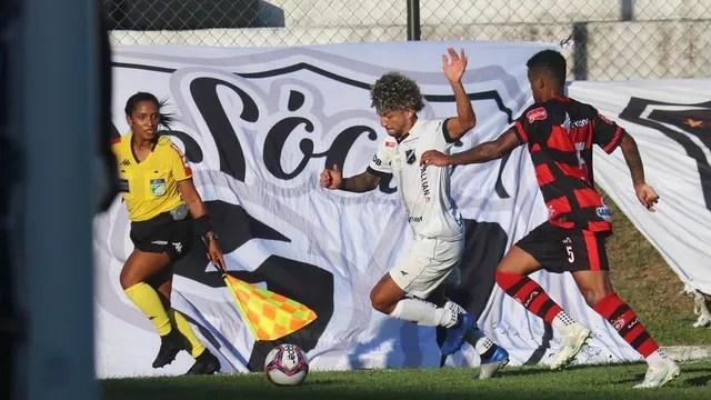 Valderrama foi o grande destaque da partida contra o Campinense