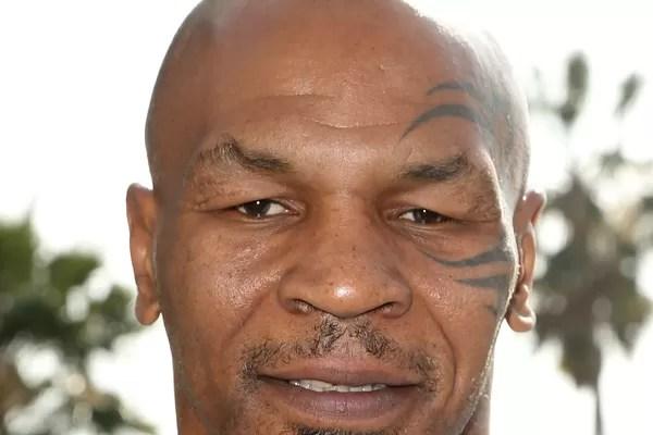 Mike Tyson: O ex-campeão mundial de boxe foi à falência em 2003, com débitos declarados de 50 milhões de dólares. Tyson já teve 400 milhões de dólares em sua conta, no auge de sua carreira, mas gastou o que tinha com mansões, joias, carrões e tigres de be (Foto: Getty Images)