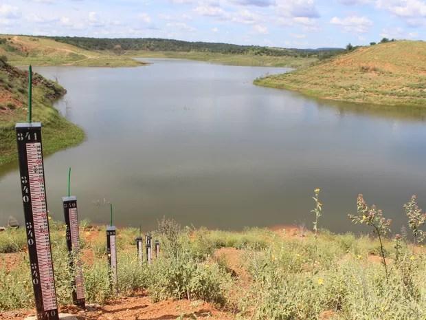 Barragem de Piaus encontra-se com 5% da capacidade (Foto: Catarina Costa/G1 PI)