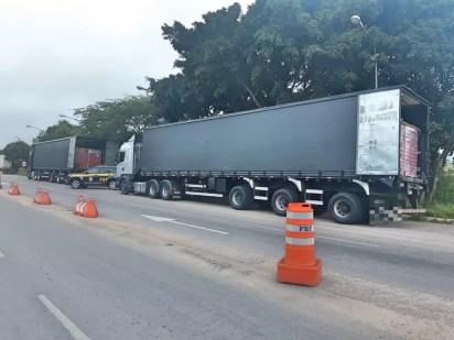 Caminhão apreendido pela PRF — Foto: Polícia Rodoviária Federal/Divulgação