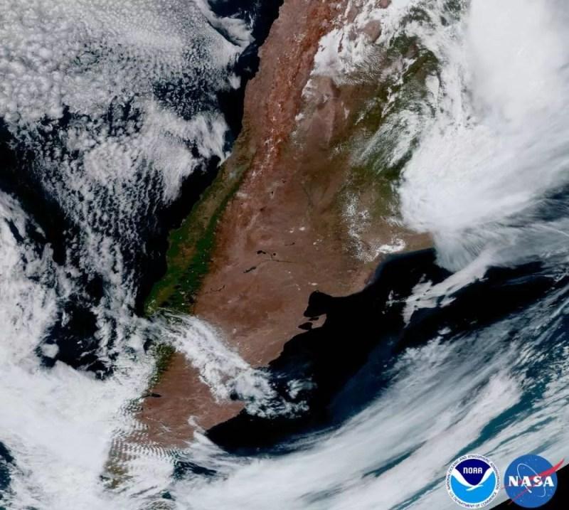 Tempestades se formam no sul da Argentina (FOTO: NASA/ NOAA)