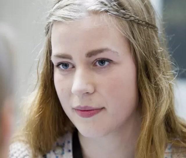 Andrine Johansen Que Contou Ter Sido Salva Por Um Colega Que Recebeu Os Tiros