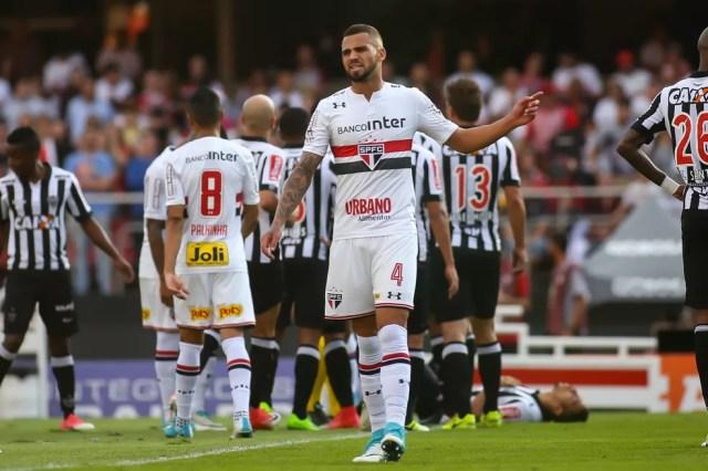 Lucão irritou diretoria com declaração após o jogo (Foto: Newton Menezes/Futura Press)