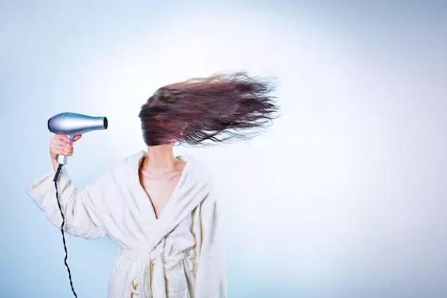Entre março e agosto, houve um aumento de 30% de queixa nos casos de alopecia (Foto: Pexels / Gratisography / CreativeCommons)